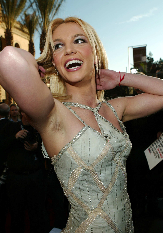 Nude Stars With Hairy Armpits 77