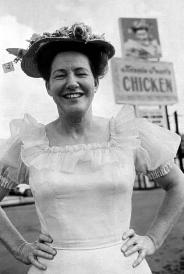 Minnie Pearl's Chicken