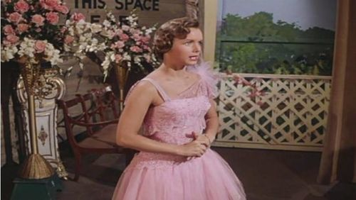 Singin' In the Rain – Wrong Dress For The Time
