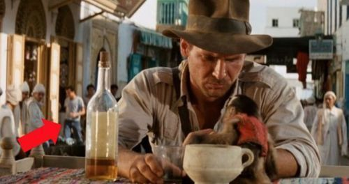 Raiders of the Lost Ark – An Extra Wearing Jeans