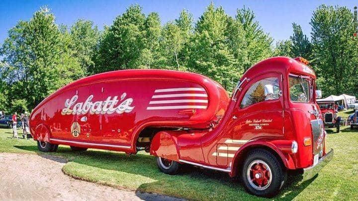 A Rare Labatt Brewing Co. Streamliner From 1947