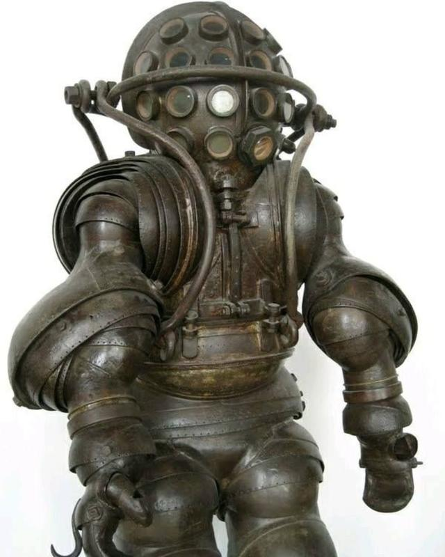 This Incredible 1882 Diving Suit Is Great But Impractical