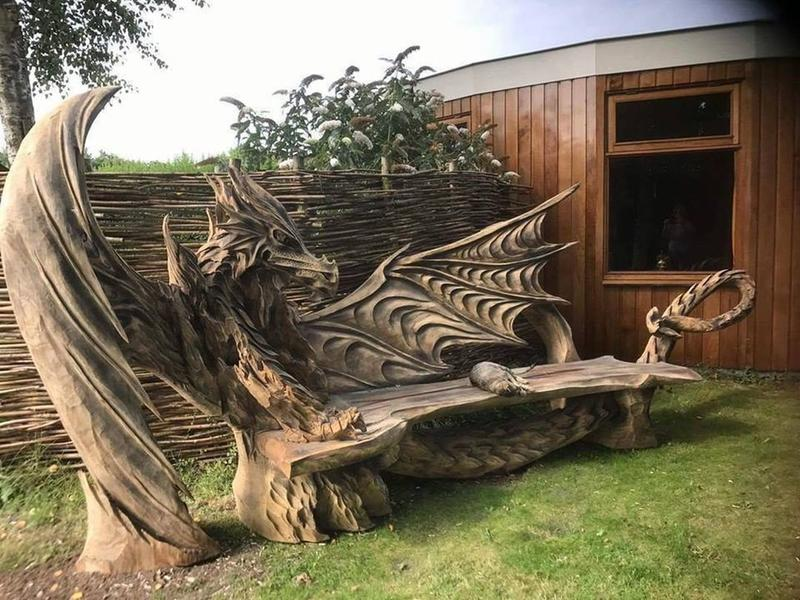 Artist Igor Loskutow Made A Wooden Dragon Bench Using A Chainsaw