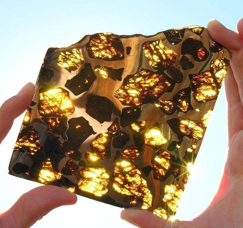 Incredible Meteorite Pieces Found In The Mountains Of Fukang