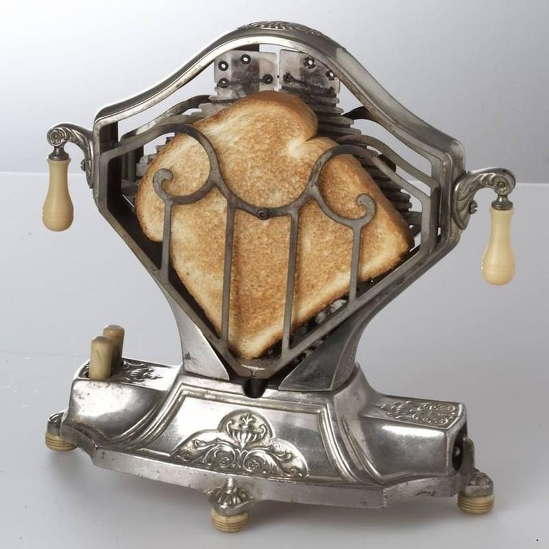 A Toaster From The 1920s