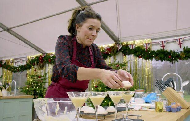 The Great British Baking Show: Holidays: Season 2 (2019)