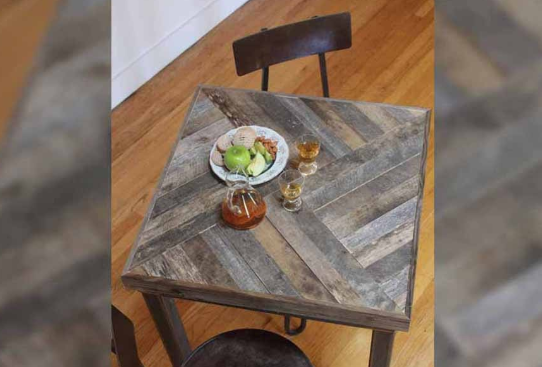 Leave The Pallet Table For The Patio
